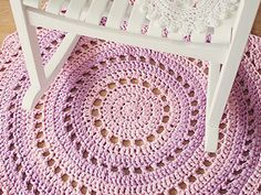 Mandala Rug  - free crochet rug patterns
