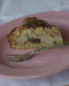 Pærekake med hasselnøtter og sjokolade(Pear, hazelnut and chocolate cake)