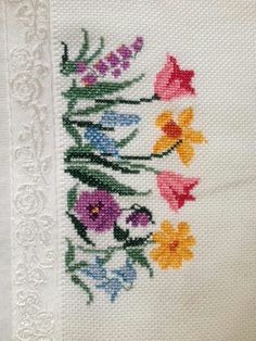 This Pin was discovered by ire Cross Stitch Letters, Cross Stitch Rose, Cross Stitch Borders, Cross Stitch Samplers, Modern Cross Stitch, Cross Stitch Flowers, Cross Stitch Designs, Cross Stitching, Cross Stitch Embroidery