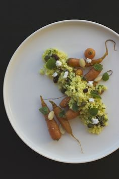 gerösteten Blumenkohl-Möhren-Couscous