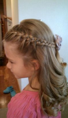 37 Best Ideas For Flower Girl Hairstyles flower Girls hairstyles ideas Kids Wedding Flower Girl Hairstyles, Braided Hairstyles For Wedding, Little Girl Hairstyles, Trendy Hairstyles, Wedding Braids, Bridesmaid Hairstyles, School Hairstyles, Wedding Hair And Makeup, Bridal Hair