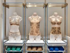 La Perla Milan Boutique designed by Roberto Baciocchi Lingerie Store Design, Milan Boutique, Design Boutique, Italian Lingerie, Boho Girl, Underwear Shop, Grey And Gold, Shop Interiors, Retail Design