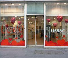 Mise en place d adhésifs pour l habillage vitrine de la boutique Lissac ( Opticiens) à l occasion de la Saint-Valentin. Profiter des nombreux  événements tels ... 4b51c319dfe2