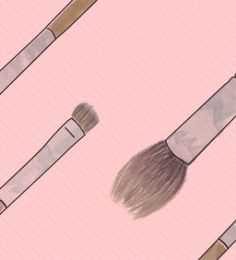 Don't know your precision shadow brush from your blending shadow brush? Here is your ultimate guide to your eye makeup brushes!