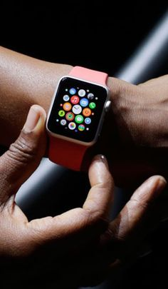 Apple Pay and Apple Watch (iWatch) are bigger than you think. It's not about the products. Apple is redefining categories. Top Apple Watch Apps, New Apple Watch, Apple Tv, Apple Watch Fashion, Apple Watch Accessories, Ipad, Wearable Technology, Apple Products, Iphone