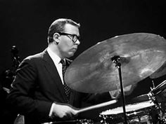 Dave Brubeck Quartet - Take Five (Belgium Just great, a masterpiece, with some fabulous musicians (solo of Joe Morello on drums to listen particulary). Sound Of Music, Music Love, Dave Brubeck, Piano, Music Express, Old Music, Jazz Musicians, Jazz Blues, Music Videos