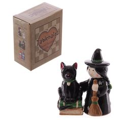 Ceramic Lisa Parker Hand Painted Witch And Cat Salt And Pepper Set Halloween Wall Clock With Pictures, Lisa Parker, Witch Cat, Salt And Pepper Set, Home Decor Accessories, Cool Kitchens, Hand Painted, Stuffed Peppers, Ceramics
