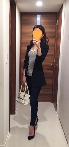 Black Jacket: SISLEY, Grey tank: GAP, Denim: Rag&Bone, White bag: J&M DAVIDSON, Navy pumps: PELLICO