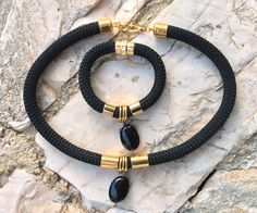 Black climbing cord jewelry set, rope, black onyx  jewelry set, necklace and bracelet ,gold colour elements, handmade jewelry, gift for her by Tmlccreations on Etsy