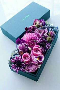 would love to get one of these boxes full of flowers