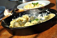 Cum fac un sos alb pentru paste? Tortellini, Prosciutto, Potato Salad, Potatoes, Chicken, Meat, Paste, Ethnic Recipes, Food