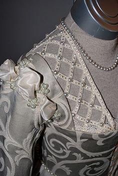 Pearl Detail