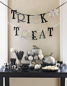 An Elegant Halloween. I find Halloween so tacky most of the time, but this makes it much nicer!