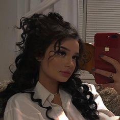 contoured makeup looks Hairstyles With Bangs, Pretty Hairstyles, Girl Hairstyles, Hair Inspo, Hair Inspiration, Model Tips, Photographie Portrait Inspiration, Hair Streaks, Blue Hair Highlights