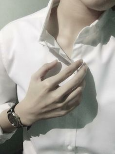 Dừa Pretty Hands, Beautiful Hands, Bad Boys, Cute Boys, Hand Veins, Hand Pictures, Daddy Aesthetic, Hand Reference, Boys Dpz