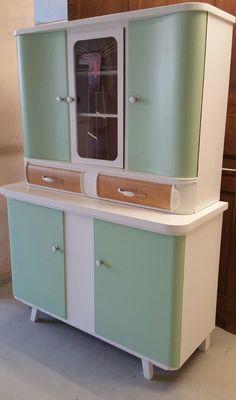 Küchenbuffet 50er Jahre - Möbel Redesign individuell nach Ihren Vorstellungen - https://www.garagenmoebel.com/rohling/4388/ - #50Er, #Grün, #Küchenbuffet, #Weiß - Garagenmoebel Küchenbuffet, alte Küchenschränke
