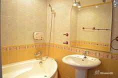 Garsoneira Regim Hotelier Zona Unirii #garsoniera #regim #hotelier #bucuresti Corner Bathtub, Sink, Home Decor, Sink Tops, Vessel Sink, Decoration Home, Room Decor, Vanity Basin, Sinks