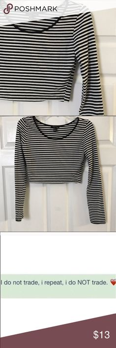 Striped crop top Worn a few times, Medium but can also fit a S. Forever 21 Tops Crop Tops
