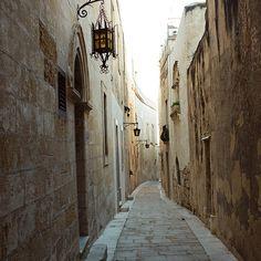 Mdina, Malta. http://www.maltadirect.com/maltacitymdina