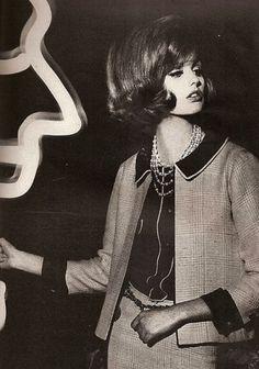 Dorothea McGowan, Vogue, 1962 © William Klein