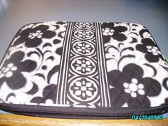 Vera Bradley NWT Quilted  Computer Sleeve Night and Day. Starting at $21 on Tophatter.com!