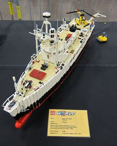 My Lego army could use this Legos, Lego Boat, Lego Kits, Lego Army, Lego Ship, Lego Construction, All Lego, Hobby Toys, Lego Worlds