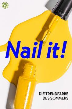 Sei mutig und teste unseren gelben Nagellack. Denn im Sommer darf es auch mal etwas bunter hergehen! #nagellack #sommerlook #gelb Yves Rocher, Summer Looks, Bunt, Nails, Business, Be Bold, Yellow Toe Nails, Nail Polish, Yellow Nail Polish