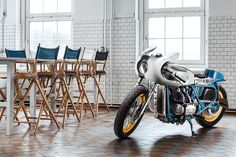 As the world's largest producer of motorcycles, it comes as no surprise that Honda cafe racers are commonplace. Here are our Top 10 Honda Cafe Racer picks. Cb400 Cafe Racer, Cafe Racers, Bobber Custom, Custom Motorcycles, Custom Bikes, Cb650, Moto Cafe, Cafe Racer Motorcycle, Classic Motorcycle