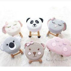 Crochet and Knitting Cute Crochet, Crochet For Kids, Crochet Dolls, Knit Crochet, Crochet Hats, Stool Covers, Crochet Home Decor, Baby Decor, Crochet Animals
