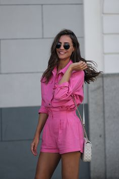 inspiration: second skin inspiracion - Lady Addict Miami Outfits, Summer Shorts Outfits, Pink Outfits, Short Outfits, Casual Outfits, Street Style Summer, Casual Street Style, Looks Style, Casual Looks