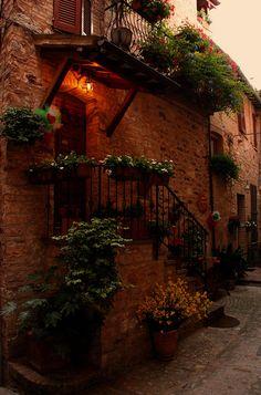All sizes | Per le vie del Borgo (Spello 2011) | Flickr - Photo Sharing!