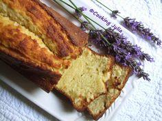 Cake moelleux à la vanille au lait ribot. C'est un cake que j'ai réalisé cet été mais je n'avais pas encore pris le temps d'en poster la recette. Comme toute la pâtisserie qui compo...