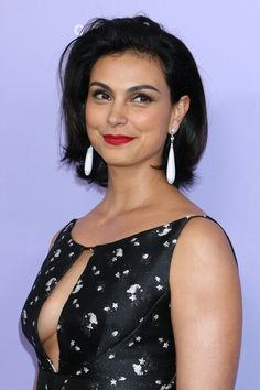 Morena Baccarin - 2018 Fragrance Foundation Awards in New York, June 2018 Beautiful Celebrities, Beautiful Actresses, Gorgeous Women, Beautiful People, Morena Baccarin Deadpool, Morena Baccarin Gotham, Jolie Photo, Pretty Woman, Victoria