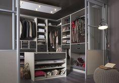 Offrez-vous un dressing sur-mesure sans oublier l'éclairage. Meubles Kre. Leroy Merlin. www.leroymerlin.fr