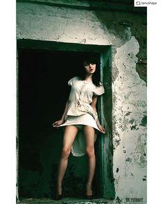 #Daddy 's little good girl .... or bad girl  #REPOST @tanushaya  Я каждый день пересматриваю старые фотки иииии... поняла что хочу фоткаться)))) #GOODgirl #BADgirl #younggirl #abandonedhouse #EuropeanGirl #EuropeanBeauty