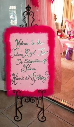 Cute idea for a little girl's princess birthday party. We all wanted to be princesses at some point right?