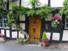 Inspiration for Ben's cottage: Alcester, Warwickshire. Tudor Cottage, Tudor House, Cottage Homes, English Cottages, Country Cottages, Fairytale Cottage, 16th Century, Dream Homes, Medieval