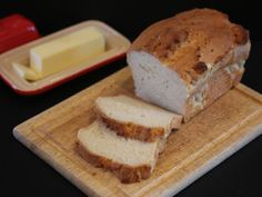 Gluten free bread can be light and fluffy. And it can be easy to make using this gluten free bread recipe. Good Gluten Free Bread Recipe, Gluten Free Dinner Rolls, Gluten Free Recipes, Bread Recipes, Gluten Free Kitchen, Gluten Free Living, Gluten Free Cooking, Vegan Gluten Free, Gluten Free Brands