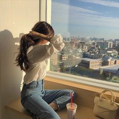 girl, fashion e beautiful imagem no We Heart It Korean Aesthetic, Aesthetic Photo, Aesthetic Girl, Aesthetic Pictures, Beige Aesthetic, Girl Pose, Uzzlang Girl, Ulzzang Korean Girl, Cute Korean Girl