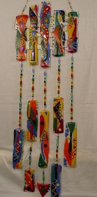 little dingles for big chime Glass Wind Chimes, Diy Wind Chimes, Fused Glass Art, Mosaic Glass, Mobiles, Sun Catchers, Blowin' In The Wind, Stained Glass Projects, Glass Design