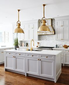 42 Lovely Gray Kitchen Cabinets Design Ideas - Page 3 of 44 Farmhouse Kitchen Decor, Country Kitchen, New Kitchen, Taupe Kitchen, Kitchen Ideas, Kitchen Modern, Tall Kitchen Cabinets, Kitchen Cabinet Design, European Kitchen Cabinets