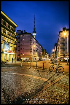 Rosa-Luxemburg-Platz / Kino Babylon