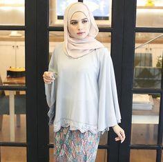 Kebaya Lace, Kebaya Hijab, Batik Kebaya, Hijab Dress, Hijab Outfit, Abaya Fashion, Muslim Fashion, Fashion Muslimah, Fashion Dresses