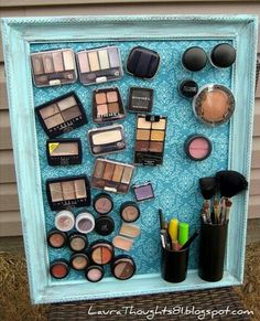 Use magnets to organzie your makeup