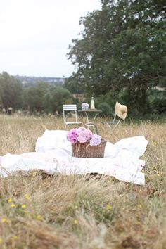 Well planned picnics. Love coordination and planning