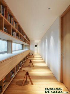 pasillo decorado con libros