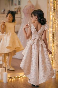 Anna at a state dinner Girls Party Dress, Little Girl Dresses, Girls Dresses, Flower Girl Dresses, Baby Dresses, Frocks For Girls, Kids Frocks, Baby Girl Fashion, Kids Fashion