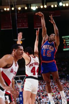 June 14, 1990 - The Detroit Pistons defeated the host Portland Trail Blazers 92-90 in Game 5 of the Finals. Vinnie Johnson hit a 14-foot jumper in the final second, helping the Pistons become only the third franchise (joining the Celtics and Lakers) to, successfully defend an NBA title. It was the Pistons' fifth straight Finals road win, an NBA record later tied by the Chicago Bulls.