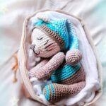 Amigurumi Sleeping Dog Free Pattern - Always Free Amigurumi Crochet Coaster Pattern, Crochet Toys Patterns, Diy Crochet For Beginners, Crochet Tutorials, Crochet Ideas, Amigurumi Doll Pattern, Crochet Mandala, Sleeping Dogs, Stuffed Animal Patterns