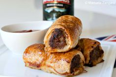 Typical Australian tucker: sausage rolls, to celebrate Australia Day! Aussie Food, Australian Food, Pork Recipes, Cooking Recipes, Austrian Recipes, Sausage Rolls, Appetizer Recipes, Appetizers, Thinking Day
